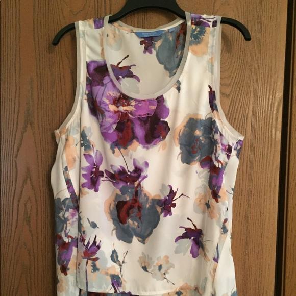 494f45cc5ac Simply Vera Wang blouse sleeveless flowered XL. M_5ab96f5245b30ccb527823a9